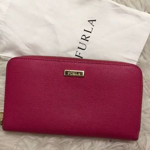 Zip Around Furla Wallet